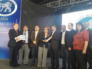 Entrega de la Memoria y Cuenta 2014 por parte de la Alcaldesa encargada Helen Fernández