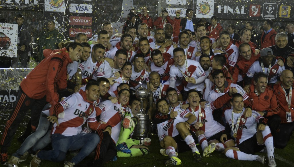 river plate  (5)
