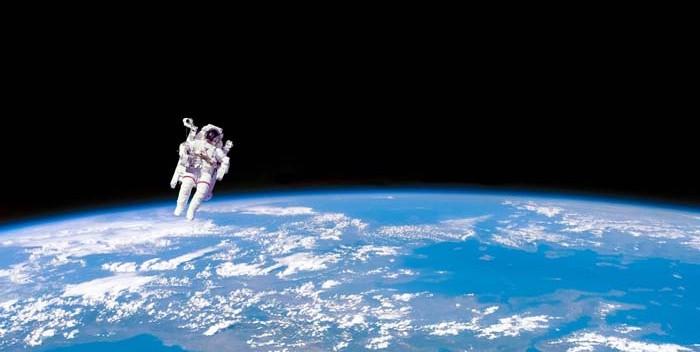Niño Astronauta En El Espacio: Astronautas Leerán Cuentos Para Niños Desde El Espacio