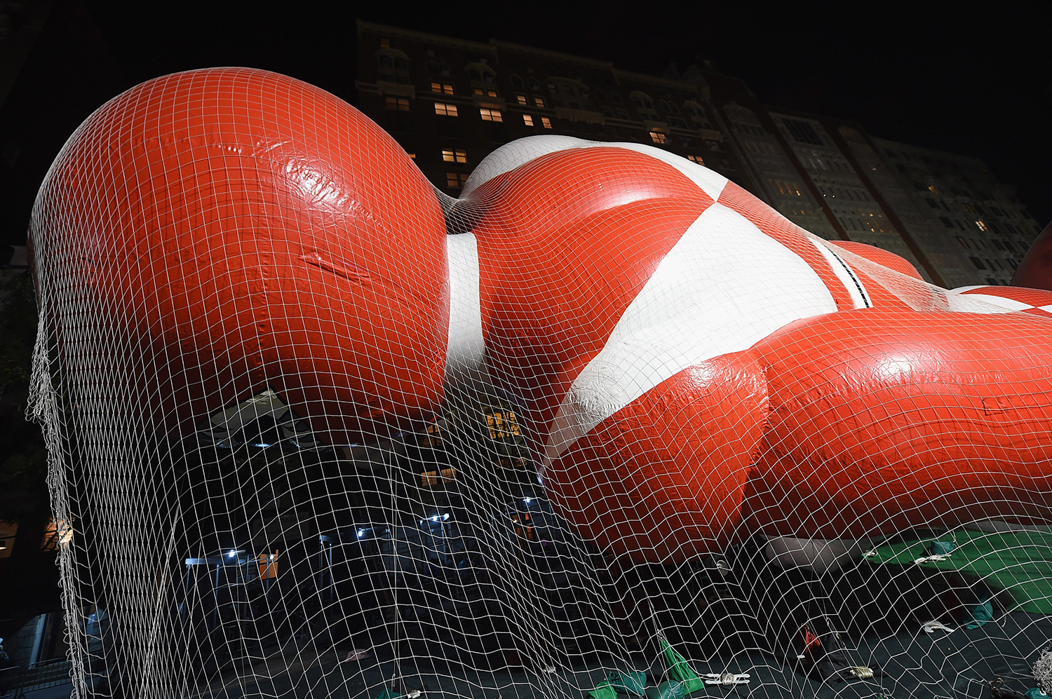 NEW YORK, NY - NOVEMBER 25: General view of the Red Mighty Morphin Power Ranger balloon during the 89th Annual Macy's Thanksgiving Day Inflation Eve on November 25, 2015 in New York City. Michael Loccisano/Getty Images/AFP