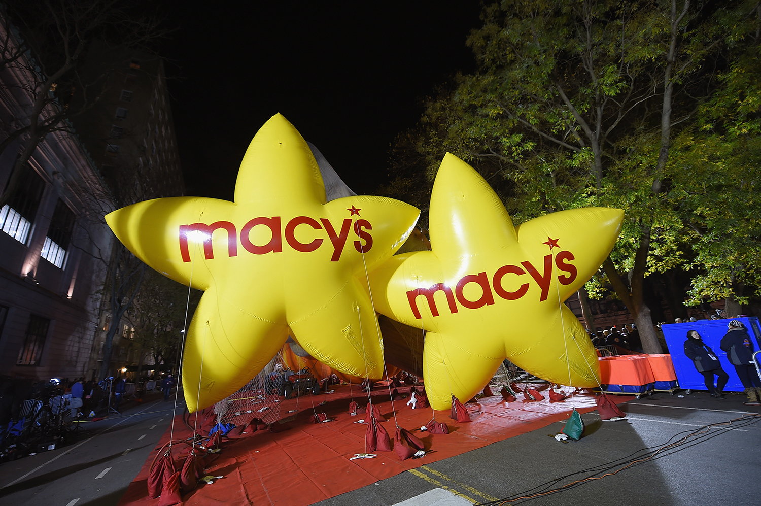 NEW YORK, NY - NOVEMBER 25: General view of the Macy's Star balloons during the 89th Annual Macy's Thanksgiving Day Inflation Eve on November 25, 2015 in New York City. Michael Loccisano/Getty Images/AFP