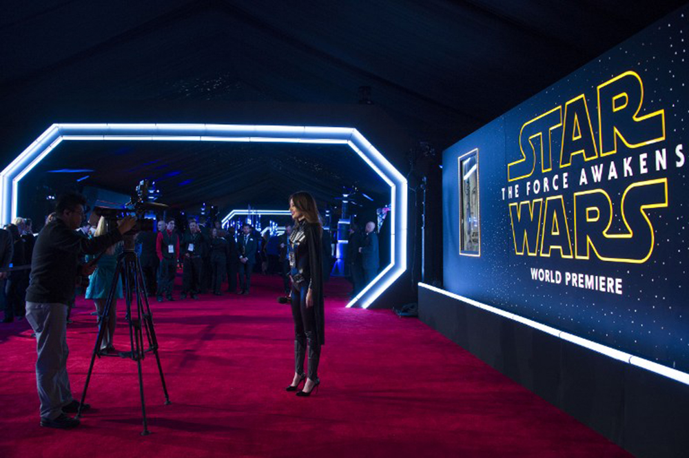"""General view of the set up at the World Premiere of """"Star Wars: The Force Awakens"""", in Hollywood, California, on December 14, 2015.AFP PHOTO /VALERIE MACON / AFP / VALERIE MACON"""